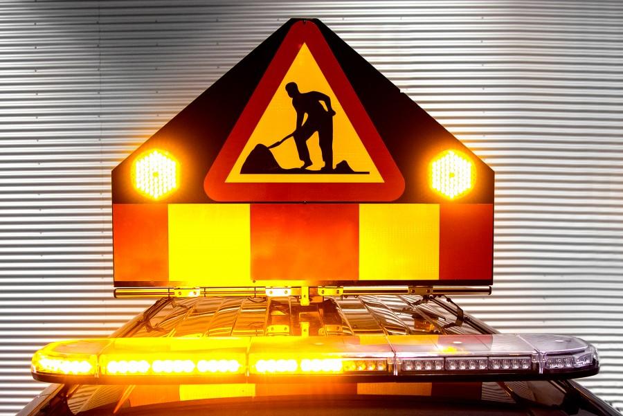 Valomajakka tai varoitusvalo parantaa näkyvyyttä